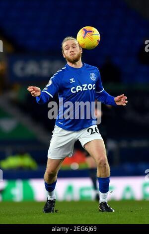 Liverpool, United Kingdom, 17th February 2021. Everton's Tom Davies. Credit: Anthony Devlin/Alamy Live News