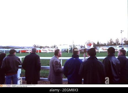 Horse Racing - First November Meeting , Plumpton Racecourse , 13/11/00  Spectators   Mandatory Credit:Action Images/ Michael Craig Stock Photo