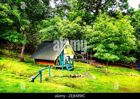 Camping Hut - colours