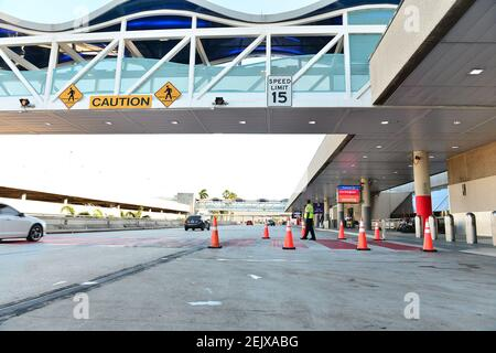 FORT LAUDERDALE, FL - MARCH 23: A Empty Fort Lauderdale-Hollywood International Airport amid COVID-19 pandemic on March 23, 2020 in Fort Lauderdale, Florida. Gov. Ron DeSantis issued an order Monday night requiring all incoming air passengers from New York, New Jersey and Connecticut enter Florida to self-quarantine for 14 days. (Photo by JL/Sipa USA) Stock Photo