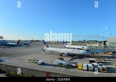 FORT LAUDERDALE, FL - MARCH 23: Planes are seen on the tarmac at Fort Lauderdale-Hollywood International Airport amid COVID-19 pandemic. on March 23, 2020 in Fort Lauderdale, Florida. Gov. Ron DeSantis issued an order Monday night requiring all incoming air passengers from New York, New Jersey and Connecticut enter Florida to self-quarantine for 14 days.(Photo by JL/Sipa USA) Stock Photo