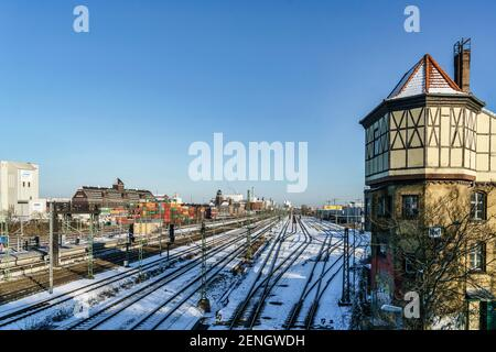 Bahngleise am Westhafen, S-Bahn Beusselstrasse im Winter, Berlin-Moabit - Stock Photo