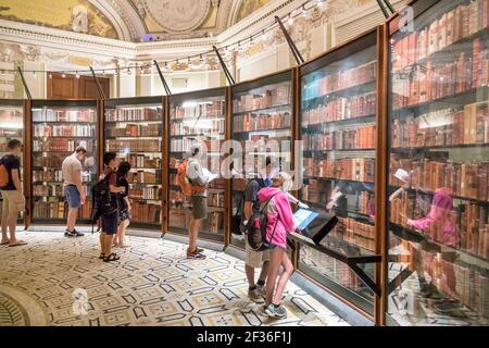Washington DC Library of Congress, Thomas Jefferson Memorial Building Southwest Pavilion, recreated Thomas Jefferson personal library books shelves