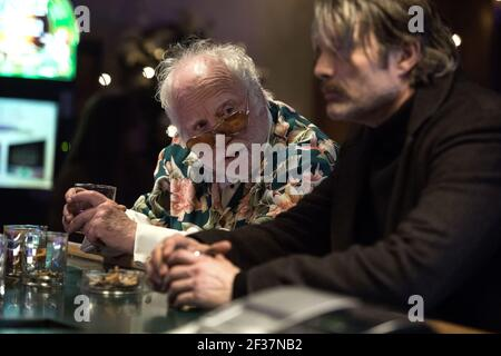 RICHARD DREYFUSS, MADS MIKKELSEN, POLAR, 2019, ©JASPER SAVAGE/NETFLIX
