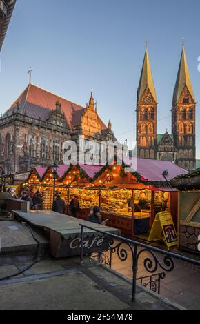 geography / travel, Germany, Bremen, Christmas market in the evening, Additional-Rights-Clearance-Info-Not-Available