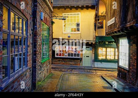 UK,North Yorkshire,York,The Shambles at night