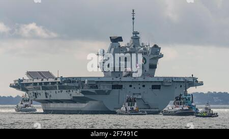 The Royal Navy aircraft carrier HMS Queen Elizabeth (R08) left Portsmouth, UK on 30/8/19 to lead the Westlant19 deployment to Canada & the USA. Stock Photo