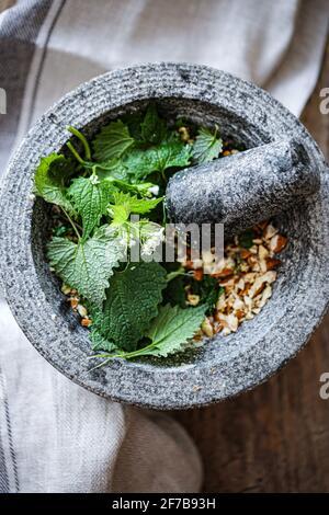 Garlic mustard and almonds pesto