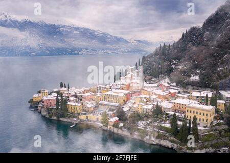 Traditional houses of Varenna old town after a snowfall, Lake Como, Lecco province, Lombardy, Italian Lakes, Italy, Europe
