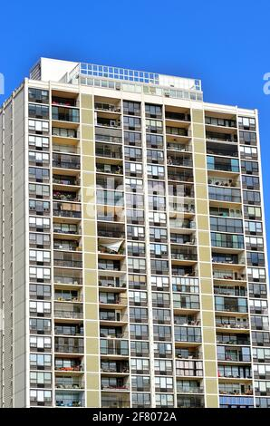 Chicago, Illinois, USA. A high rise building along Sheridan Road, one of many in the area made up of apartments and condominiums.