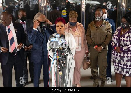 New York, New York, USA. 14th Apr, 2021. Mothers of the Movement, Lesley McSpadden, (Michael Brown's Mother) speaks during a news conference at the Times Square Sheraton in New York. Brown was killed by former Ferguson, MO. police officer Darren Wilson, Brown's death sparked the birth of the Black Lives Matter Movement Credit: Brian Branch Price/ZUMA Wire/Alamy Live News
