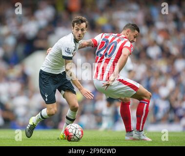 White Hart Lane, London, UK. 15th Aug, 2015. Barclays Premier League. Tottenham Hotspur versus Stoke City. Tottenham Hotspur's Ryan Mason brings the ball forward. ; Mason was made interim team manager for 2021 season after Spurs sacked Jose Mourinho. Mason retired from playing for Tottenham after suffering a fractured skull in a game in early 2017 at Hull. Credit: Action Plus Sports/Alamy Live News Stock Photo