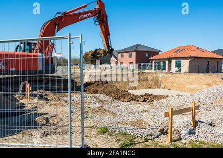 Neubaugebiet für Wohneigentum in einer gemischten Einfamilien- und Mehrfamilienhaus Variante
