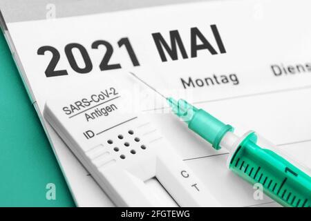 Corona Konzept Test und Impfung Mai 2021