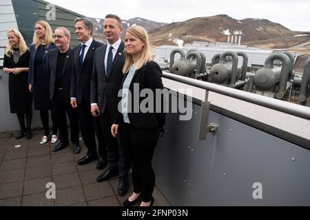 U.S. Secretary of State Antony Blinken stands alongside CEO of Reykjavik Energy Bjarni Bjarnason, and Icelandic Foreign Minister Gudlaugur Thor Thordarson, during a tour to the Hellisheidi Geothermal Plant, in Hengill, Iceland May 18, 2021. Saul Loeb/Pool via REUTERS