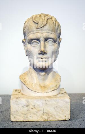 Bust of a man - I sec BC Casa degli Amorini dorati (House of the Gilded cupids) Marble Pompeii archaeological site, Italy