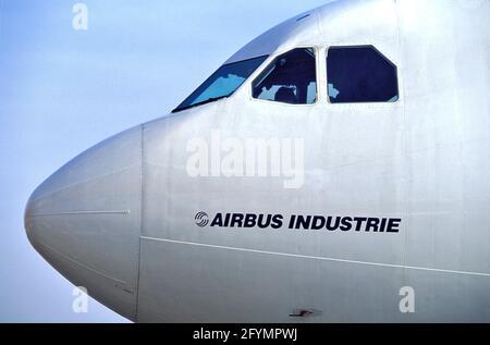 FRANCE. HAUTE-GARONNE (31) TOULOUSE. AEROSPATIALE FACTORY IN BLAGNAC. COCKPIT OF AN AIRBUS