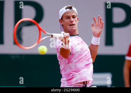 Paris, France. 9th June, 2021. Diego Schwartzmann from Argentina at the 2021 French Open Grand Slam tennis tournament in Roland Garros, Paris, France. Frank Molter/Alamy Live news