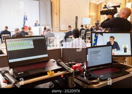Paris, France. 10th June 2021. French President Emmanuel Macron answers journalists' questions during a press conference ahead of the G7 Summit, at the Elysee Presidential Palace in Paris, France on June 10, 2021. Photo by Jacques Witt/Pool/ABACAPRESS.COM Credit: Abaca Press/Alamy Live News