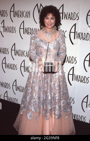 Loretta Lynn at the 12th Annual American Music Awards at Shrine Auditorium in Los Angeles, California, January 28, 1985 Credit: Ralph Dominguez/MediaPunch