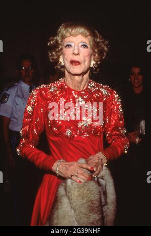 Bette Davis at the Fifth Annual American Cinema Awards on January 30, 1988 at Beverly Hilton Hotel in Beverly Hills, California  Credit: Ralph Dominguez/MediaPunch
