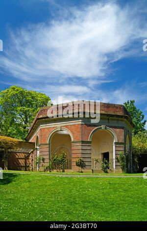 UK, North Yorkshire, Harrogate, Valley Gardens, The Colonnade