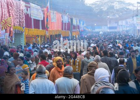 BABUGHAT, KOLKATA, WEST BENGAL / INDIA - 11TH JANUARY 2015 : Indian Hindu devotees at Gangasagar transit camp.
