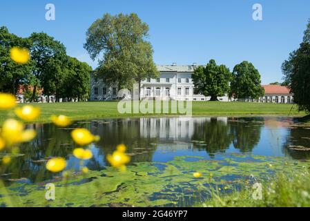Germany, Brandenburg, Maerkisch-Oderland, Neuhardenberg: The neoclassical-baroque Neuhardenberg Castle, hotel, orangery and palace park.