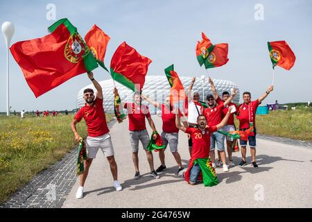 Munich, Germany. 19th June, 2021. Football: European Championship, Portugal - Germany, Preliminary round, Group F, Matchday 2. Portugal fans come to the stadium. Credit: Matthias Balk/dpa/Alamy Live News
