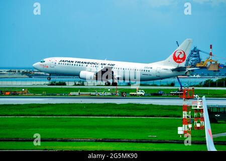 Japan Transocean Air, JTA, Boeing B-737/400, JA8991, Landing,  Naha Airport, Naha, Okinawa, Ryukyu Islands, Japan