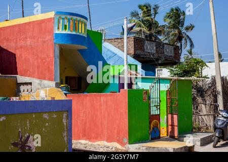 Colourful Indian house painted with bright colours, Puducherry (Pondicherry), Tamil Nadu, India