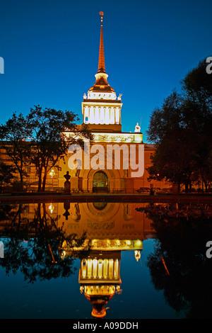 Sankt Petersburg, Admiralitaet bei Nacht, Russia Saint Petersburg at night - Stock Photo