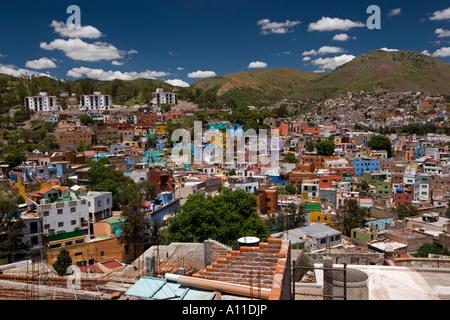 Overview of Guanajuato (Mexico). Vue d'ensemble de la ville de Guanajuato (Guanajuato, Mexique). - Stock Photo