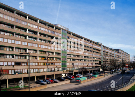 The Aylesbury Estate, High density housing in South London - Stock Photo