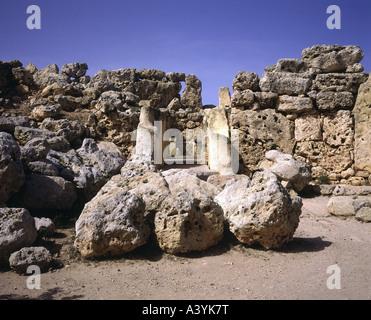 travel /geography, Malta, Gozo, buildings, Ggantija double temple, circa 3800 - 3600 B.C., historic, historical, - Stock Photo