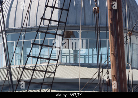 Closeup of the Discovery Point Dome viewed through the rigging of the RRS Discovery in Dundee, UK - Stock Photo