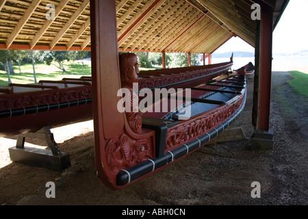 WAITANGI NORTH ISLAND NEW ZEALAND May Maori War canoe Ngatokimatawhaorua in the Waka house in Waitangi Treaty Grounds - Stock Photo