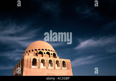 May 10, 2006 - The 12th-century mausoleum of Sultan Sanjar, a Seljuk tomb in ancient  Merv (Mary) in Turkmenistan. - Stock Photo