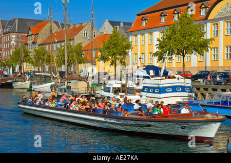 Sightseeing boat at Christianhavns Kanal in Copenhagen Denmark EU - Stock Photo