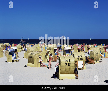 geography / travel, Germany, Schleswig - Holstein, Travemuende, beach, tourists in beach chairs, Baltic Sea, Additional - Stock Photo
