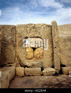 travel /geography, Malta, buildings, Hagar Qim temple, door panel, barrier stones, circa 3200 - 2500 B.C., historic, - Stock Photo