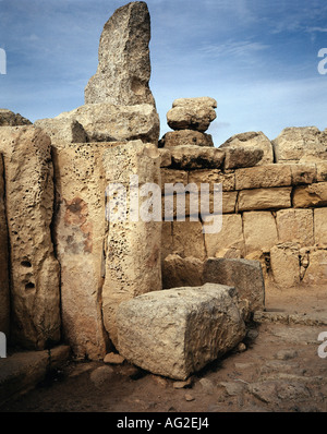 travel /geography, Malta, buildings, Hagar Qim temple, northern wall, menhir, oracle room, circa 3200 - 2500 B.C., - Stock Photo
