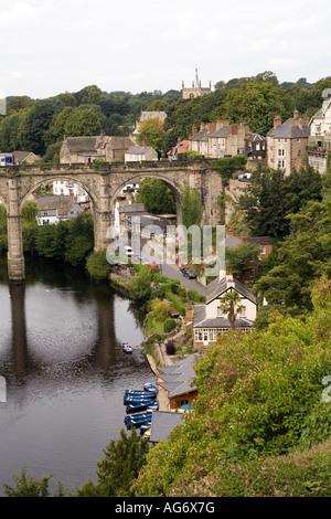 UK Yorkshire Nidderdale Knaresborough River Nidd passing through the town - Stock Photo