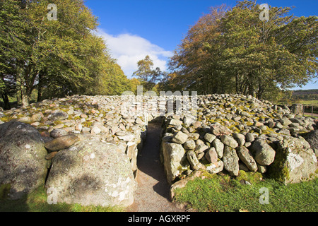 Bronze age burial chamber at Clava Cairns, Inverness - Stock Photo