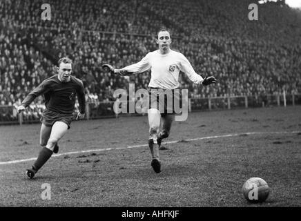 football, Bundesliga, 1966/1967, Boekelberg Stadium, Borussia Moenchengladbach versus Hamburger SV 4:2, scene of - Stock Photo