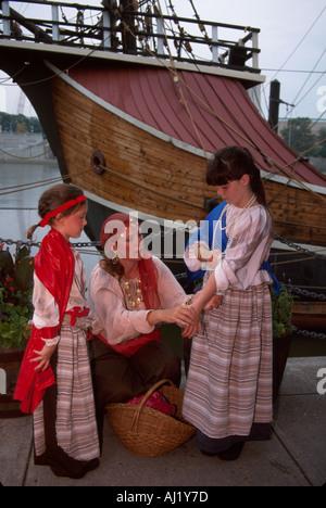 Ohio Columbus young actors Santa Maria replica reenact Christopher Columbus discovery - Stock Photo