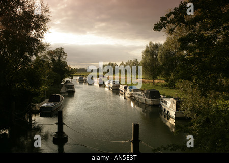 Evening on the River Thames at St Johns Lock near Lechlade in the Cotwolds - Stock Photo