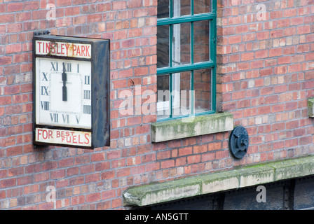 Old factory in Sheffield converted to apartments. - Stock Photo