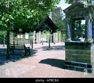 st woolos cathedral and drinking fountain stow hill newport gwent south wales - Stock Photo