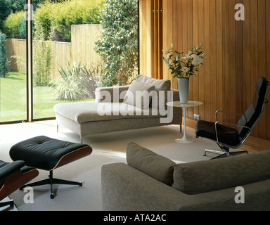 Space House, East Grinstead, West Sussex, 1963-64. Refurbished by Lee Fitzgerald Architects in 2003. Living area. - Stock Photo